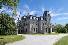 Het beroemde victorian herenhuis chateau-sur-MER in Nieuwpoort, RI stock afbeeldingen