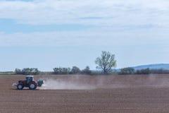 Het bespuiten van de herbiciden Stock Fotografie