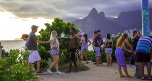 HET BESTE STRAND VAN RIO ` S CARNAVAL COPACABANA BIJ VOLLEDIGE DAG Royalty-vrije Stock Afbeelding