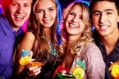 Het beste vrienden partying Stock Foto's