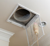 Het bestrooien van opening voor airconditioningsfilter royalty-vrije stock fotografie