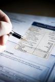 Het betalen van de rekening Stock Fotografie
