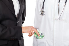 Het betalen voor de medische diensten Stock Afbeeldingen