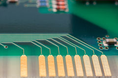 Het bevestigen van een Component van de Computer Stock Foto's