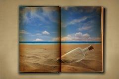 Het bevlekte Oude Boek van het Werk Open op Achtergrond Distessed Stock Foto's