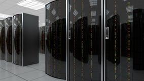 Het bewegen zich langzaam door serverruimte in datacenter stock videobeelden