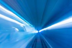 Het bewegen zich van de trein en de lichte sleep in tunnel , Ondergrondse ligh Royalty-vrije Stock Afbeelding