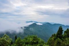 Het Bewolkte Overzees van Hanshan-Berg stock fotografie