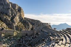 Het bezoeken Ruïnes van Termessos-stad in Turkije Royalty-vrije Stock Afbeelding