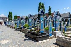 Het bezoeken van de Gelukkige Begraafplaats van Sapanta Stock Foto's