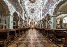 Het bezoeken van St Peter Abdij in Salzburg stock afbeelding
