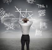 Het bezorgde zakenman verliezen bij noughts en kruisen Stock Afbeelding