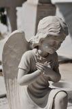 Het bidden engelenstandbeeld royalty-vrije stock foto