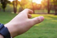 Het bidden Handen Het geven van een helpende hand Stock Afbeeldingen