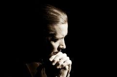 Het bidden van de mens Royalty-vrije Stock Afbeelding