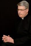 Het bidden van priester royalty-vrije stock fotografie