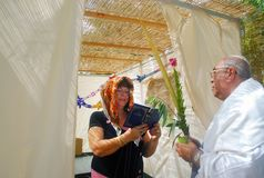 Het bidden voor Joodse Vakantie Sukkot royalty-vrije stock afbeelding