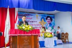 Het bidden voor Thaise Koningin op Thaise Moederdag Stock Afbeelding