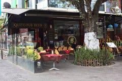 Het Bier van de Quitobar op Plein Foch in Quito, Ecuador Royalty-vrije Stock Foto