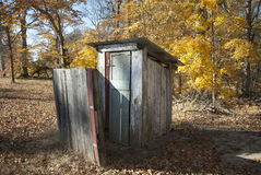 Autumn Outhouse royalty-vrije stock afbeelding