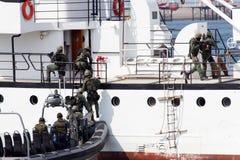 Het binnengaan van de marine stock foto's