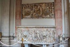 Het binnenland van één van de ruimten van het Museum van Vatikaan stock afbeeldingen