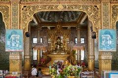 Het binnenland van de Botataung-Pagode Royalty-vrije Stock Fotografie