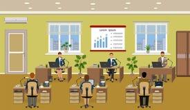 Het binnenland van de bureauruimte met velen werkende werknemer Arbeiders die bij bureaus en het werk om de computers zitten stock illustratie
