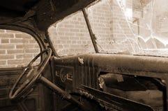 Het binnenland van de de vrachtwagencabine van Grunge in sepia Royalty-vrije Stock Afbeelding