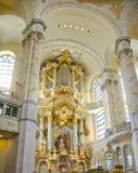 Het binnenland van de Frauenkirchekathedraal, Dresden, Duitsland Stock Foto