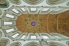 Het Binnenland van de kerk stock afbeelding