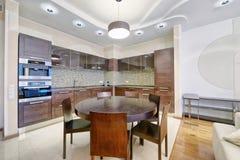Het binnenland van de keuken stock afbeelding