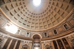 Het Binnenland van de pantheonkoepel Stock Afbeeldingen