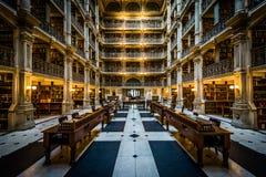 Het binnenland van de Peabody-Bibliotheek, in Mount Vernon, Baltimore, royalty-vrije stock afbeeldingen