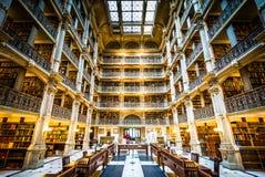 Het binnenland van de Peabody-Bibliotheek, in Mount Vernon, Baltimore, royalty-vrije stock afbeelding
