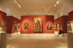 Het binnenland van de zaal van byzantijnse middeleeuwse kunst in het Pushkin-Museum van Beeldende kunsten Stock Afbeelding