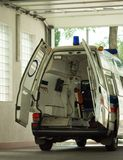 Ziekenwagenbinnenland stock foto's