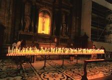 Het binnenland van Duomo Milaan Stock Afbeelding