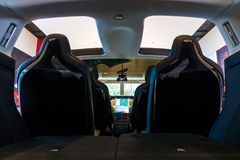 Het binnenland van een full-sized, alle-elektrische, luxe, oversteekplaats SUV Tesla Modelx stock fotografie