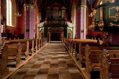 Het binnenland van een Gotische kerk, Polen. Stock Foto