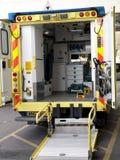 Het binnenland van een NHS-ziekenwagen Stock Afbeeldingen