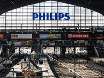 Het binnenland van Hamburg Hauptbahnhof wijd royalty-vrije stock afbeelding