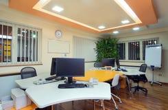 Het binnenland van het bureau