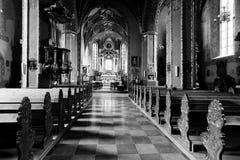 Het binnenland van Poolse kerk. royalty-vrije stock afbeelding