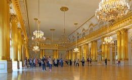 Het binnenland van Wapenkundige zaal van de Kluis in St. Petersburg stock foto's
