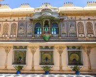 Het binnenlandse kunstwerk van Udaipur van het stadspaleis royalty-vrije stock afbeelding