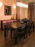Het binnenlandse ontwerp van de elegante en luxewoonkamer. Stock Afbeelding