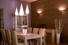 Het binnenlandse ontwerp van de elegante en luxewoonkamer. Stock Foto