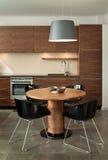 Het binnenlandse ontwerp van de keuken. Elegant en luxe. Stock Foto's