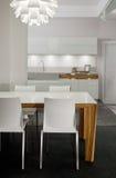 Het binnenlandse ontwerp van de keuken. Elegant en luxe. Stock Foto